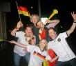 Spontane Siegeskundgebung vor der COMPACT-Redaktion? Nein, das Foto stammt von der EM 2012.