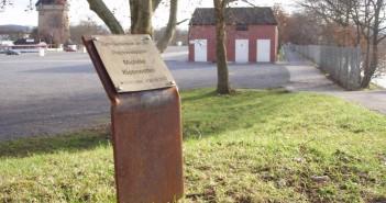 Foto: p.schmelzle  Gedenktafel für die getötete Polizistin Michèle Kiesewetter.