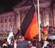 Berlin: deutsche Vereinigung vor dem Reichstag (Foto: Bundesarchiv, wikipedia)