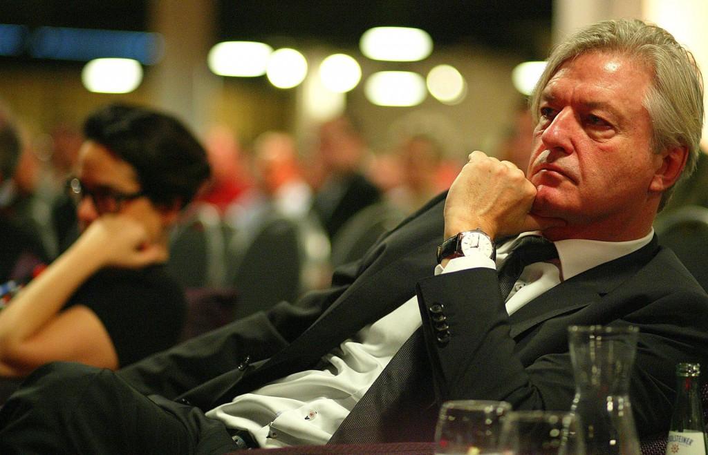 Unsere Referenten haben die volle Aufmerksamkeit des Chefredakteurs Jürgen Elsässer Foto: Michael Jeinsen.