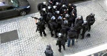 Polizei in Paris: Dauerhafter Ausnahmezustand? (Ausschnitt aus einem Foto von Chris93, de.wikipedia.org)