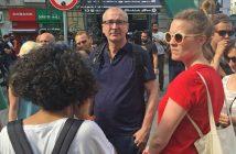 Volker Beck (M) und Terry Reintke (r) von Bündnis 90/Die Grünen nehmen am 26.06.2016 in Istanbul (Türkei) an der verbotenen Abschlusskundgebung zur «Pride Week» teil. (c) dpa