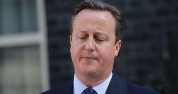 Der britische Premier David Cameron spricht vor Number 10 Downing Street am 24.06.2016 in London, Großbritannien, zu Journalisten. (c) dpa
