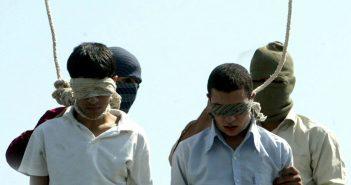 Iran, 2005: Mahmoud Asgari (16) und Ayaz Marhoni (18) wurden wegen Homosexualität gehängt.. (c) epa-Bildfunk