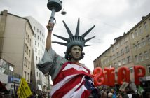 Anti-TTIP-Demo, Hannovr. picture alliance / AP Photo