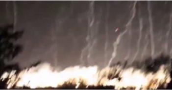 Screenshot eines Videos, das einen Phosphorbombenangrif auf Aleppo zeigt. step news agency