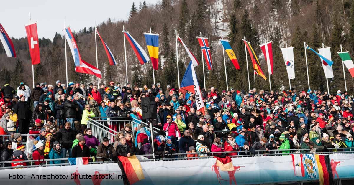 biathlon skisport wintersport tribüne