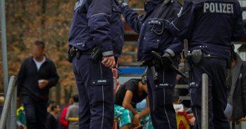 polizei-fluechtlingsheim