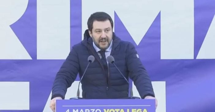 [Bild: Matteo_Salvini_-_Manifestazione_Piazza_D...02x367.jpg]