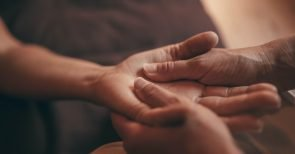 Vier Gründe, warum uns dieses Mittel so nützlich ist und gesund hält!